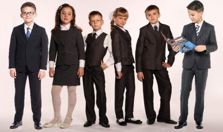 Витяг з правил поведінки Cтатуту ліцею щодо одягу учнів